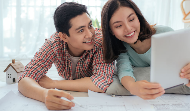 how to manage finances as a couple